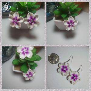 White & Purple Flower Earrings (NWT) 💜